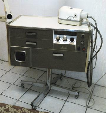 SÜDA Fußpflegegerät mit Elektromotor und Handstueck