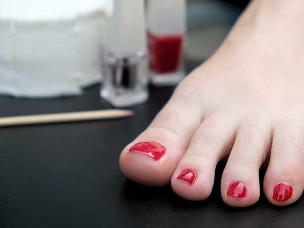 Nagellacke für die kosmetische Fußpflege